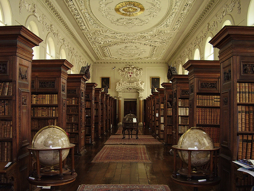 queens college library oxford