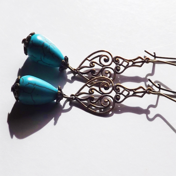 pic of turquoise teardrop earrings