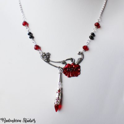 Poppy necklace in Silver